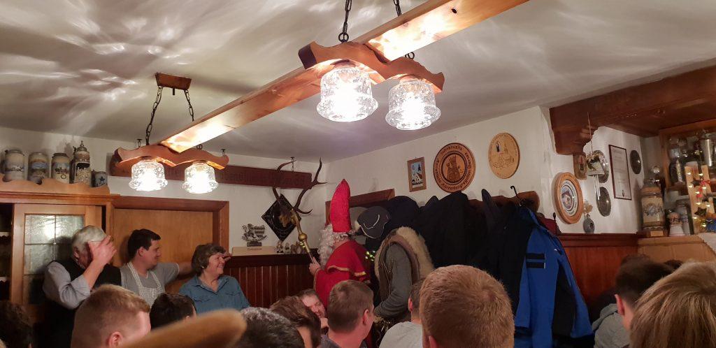 Weihnachtsfeier mit Nikolaus & Krampus