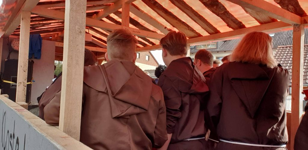 Der Burschenverein Babensham verkleidet als Klosterbrauerei Babensham